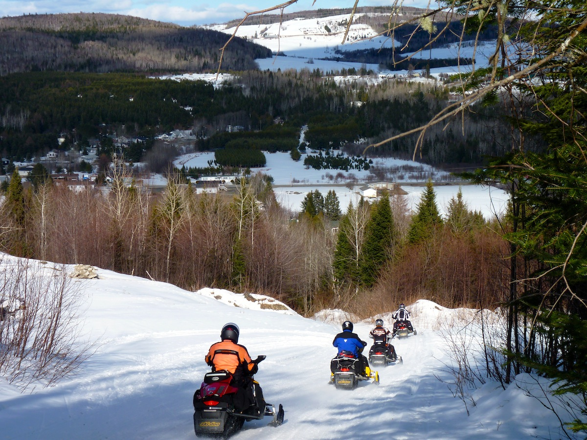 Snowmobile New Brunswick Quebec Canada Tour