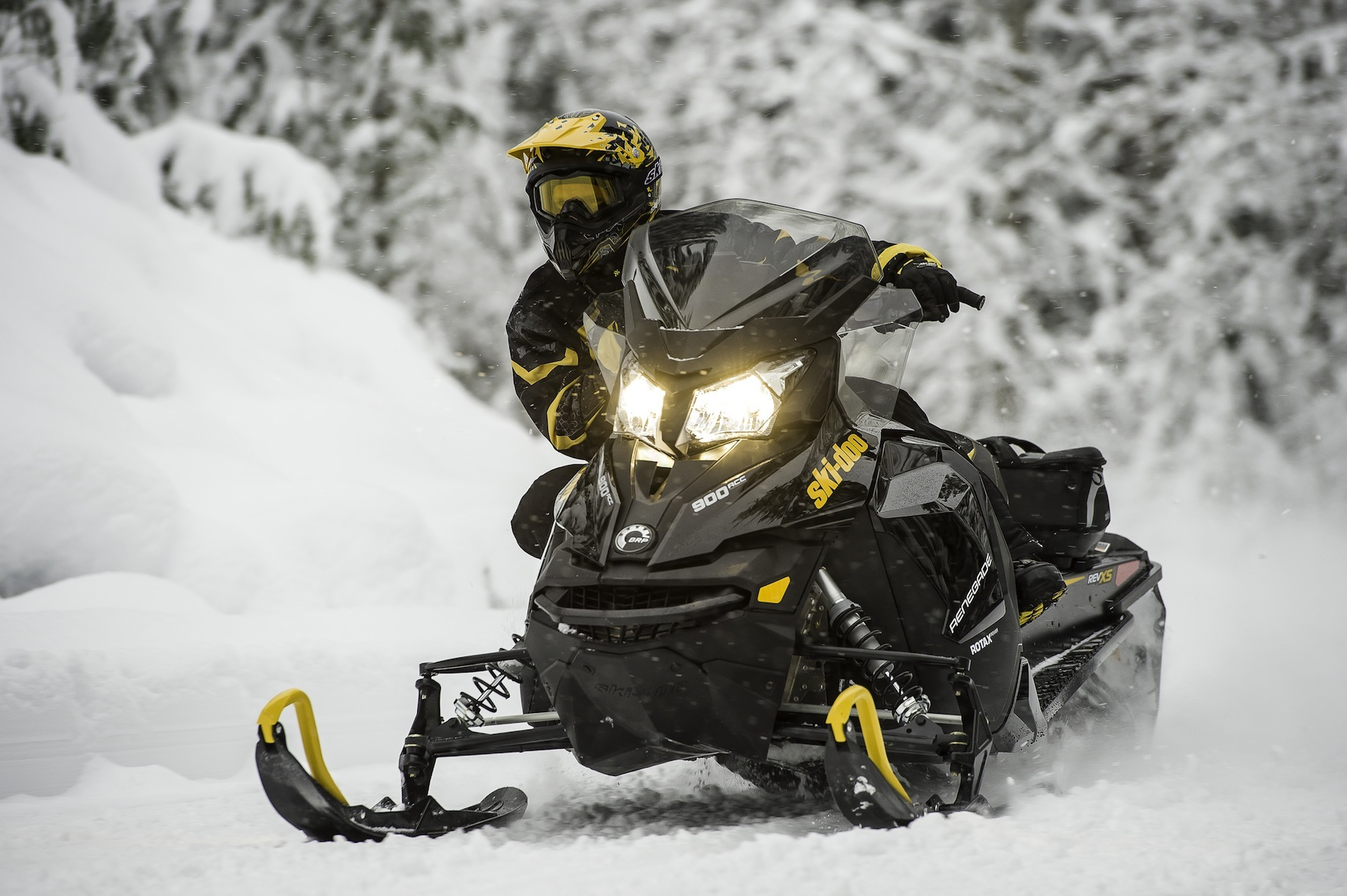 2014 Ski-Doo Renegade Adrenalin 900 ACE Snowmobile
