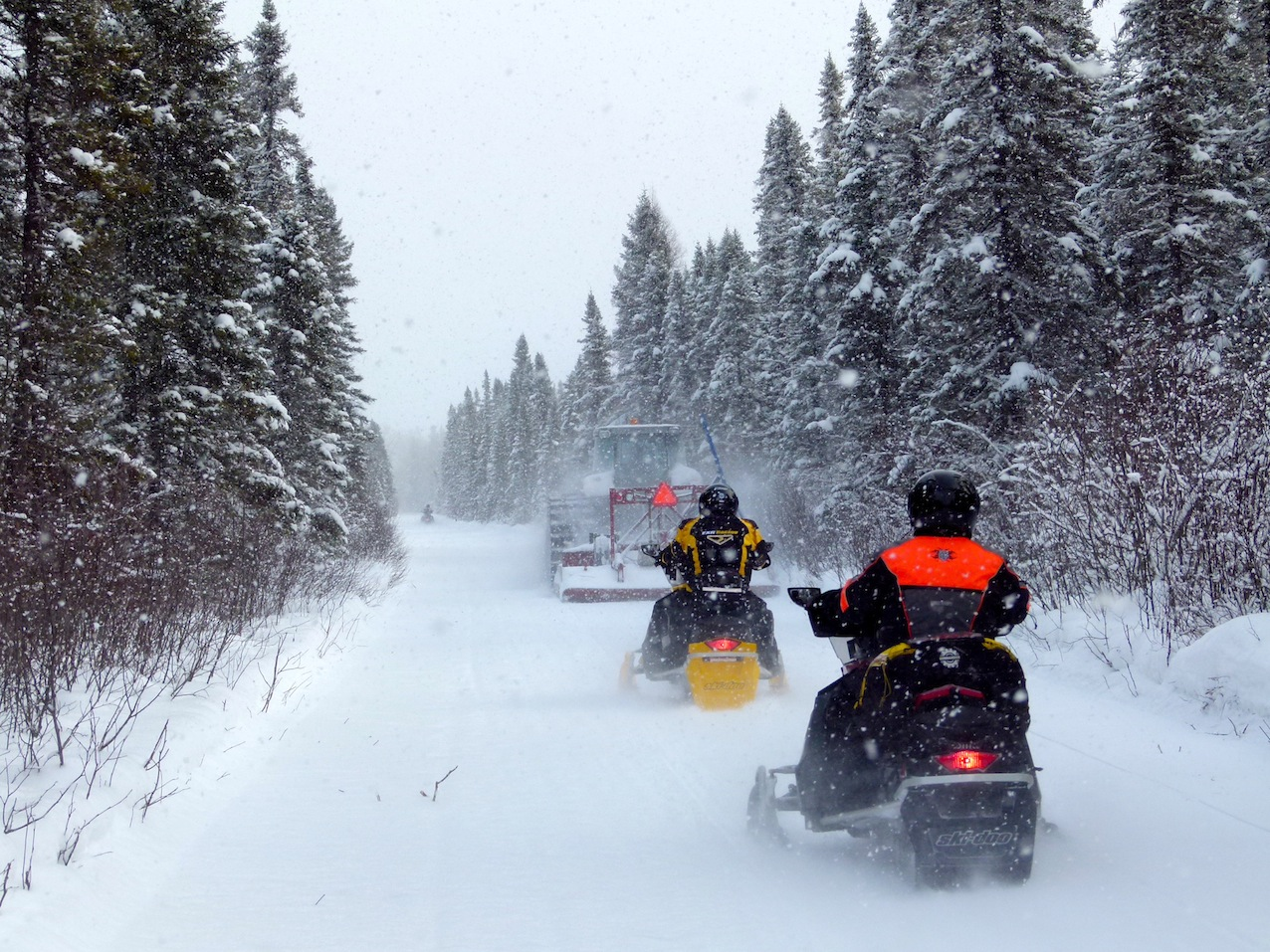 Northern Corridor Snowmobiling Ontario Tour