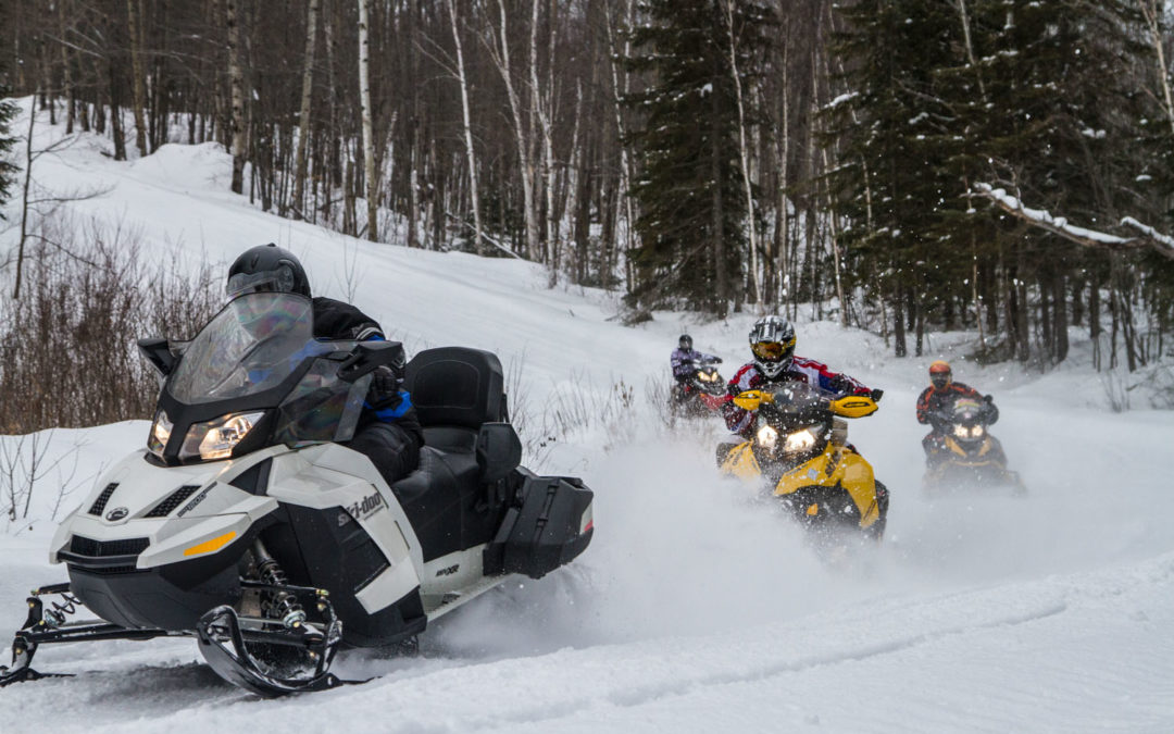 Guided Snowmobile Tours Tips & Best Choices