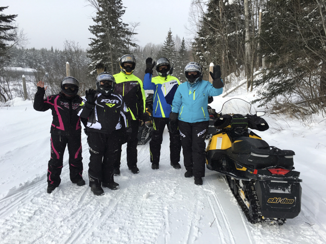 Couples Snowmobile Tour Best Tips & Advice