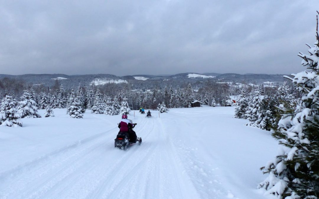Mauricie Snowmobile Vacation Quebec Tour