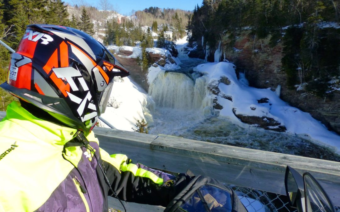 Choosing The Best Snowmobile Helmet
